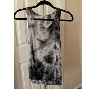 American eagle soft tie dye shirt & black shorts